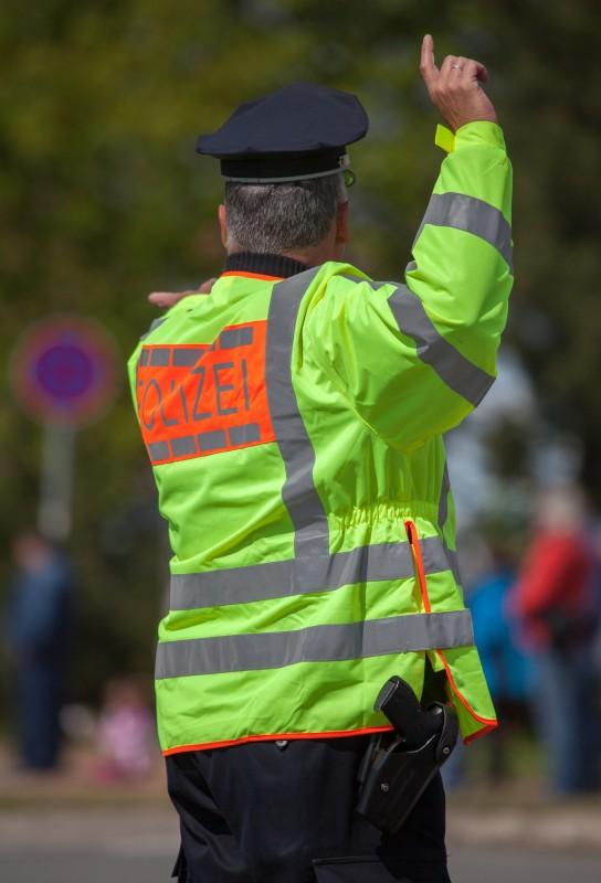 Warn- und Erkennungswesten für Polizei u.a.